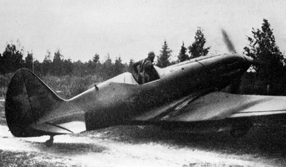 2/11. МиГ-3 је био совјетски ловачки авион коришћен за време Другог светског рата.
