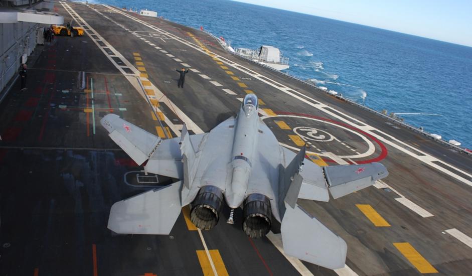 """9/11. МиГ-29 је совјетски млазни ловац четврте генерације. Развијен 1970-их у ОКБ """"Микојан"""" као ловац намењен остваривању превласти у ваздуху, МиГ-29 је – заједно са већим апаратом Сухој Су-27 – требало да се супротстави новим америчким ловцима F-15 """"Орао"""" произвођачa McDonnell Douglas и F-16 """"Борбени соко"""" произвођачa General Dynamics. МиГ-29 је 1983. уведен у оперативну употребу у Ратно ваздухопловство СССР-a."""
