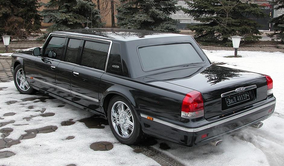 """ZIL-4112R, poznat i kao """"Putinova limuzina"""", predstavlja automobil za najviše predstavnike vlasti i proizveden je u tvrtki """"Depo-Zil"""". Modelom ZIL-4112R konstruktori su željeli nastaviti kontinuitet serije limuzina najviše klase, kojima su se vozili brojni sovjetski i ruski politički lideri - Leonid Brežnjev, Mihail Gorbačov i Boris Jeljcin. Zbog vrhunske kvalitete ovog vozila ono nikada nije bilo namijenjeno masovnoj proizvodnji, za razliku od drugih konceptualnih automobila."""