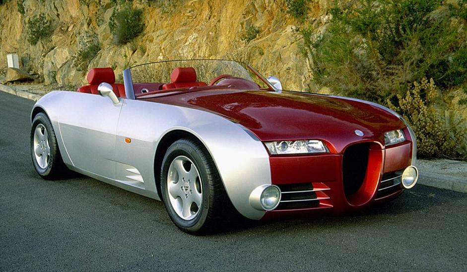 """Kabriolet Cardy Curar iz 1998. je pravi primjer """"visoke mode"""" među automobilima i jedini je proizvedeni komad. Model Cardy Curar predstavlja ostvarenje sna dizajnera Sergeja Ališeva, koji je oduvijek vjerovao u potencijal ruske automobilske industrije. Ališev i dalje zastupa ideju o maloserijskoj proizvodnji automobila u Rusiji. Cardi Curar, koji se sklapa ručno, jasno demonstrira njegov koncept."""
