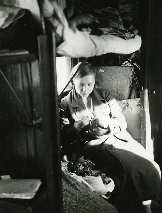 Im Jahr 1935 verkaufte die Sowjetunion ihren Abschnitt der chinesischen Fernost-Eisenbahn, der durch die Mandschurai verlief, an Japan.