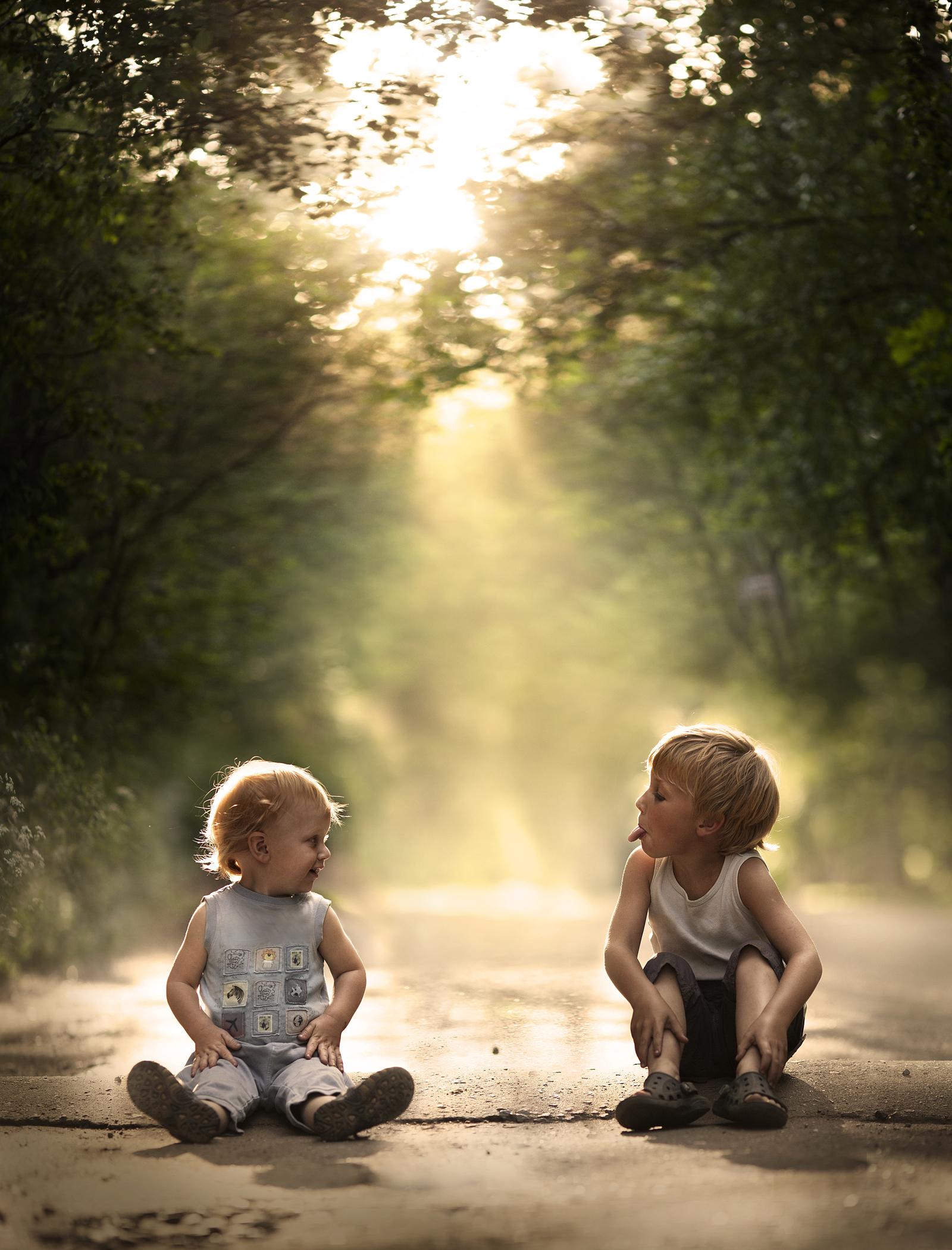彼女には5歳と2歳の男の子がいる。この二人を映した写真は、特別なロケでとったものではない。