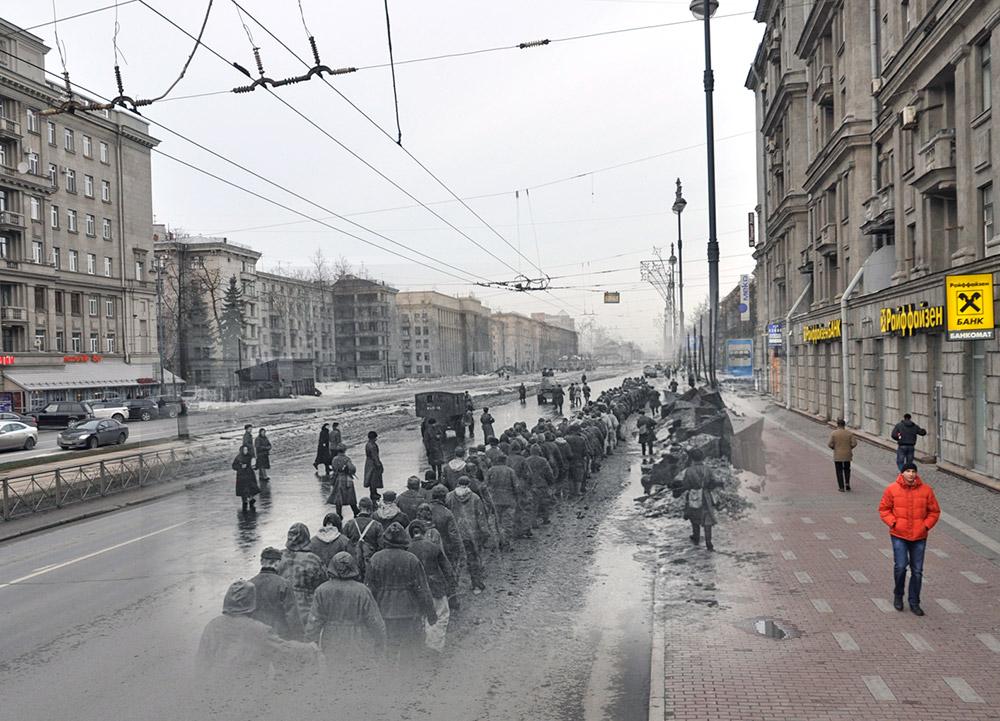 列をなした捕虜たちがモスコフスキー大通り186番地を通り過ぎていく。