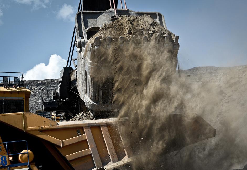 У просеку приликом сагоревања једног килограма угља ослободи се око 2,93 килограма угљен диоксида (CO2).