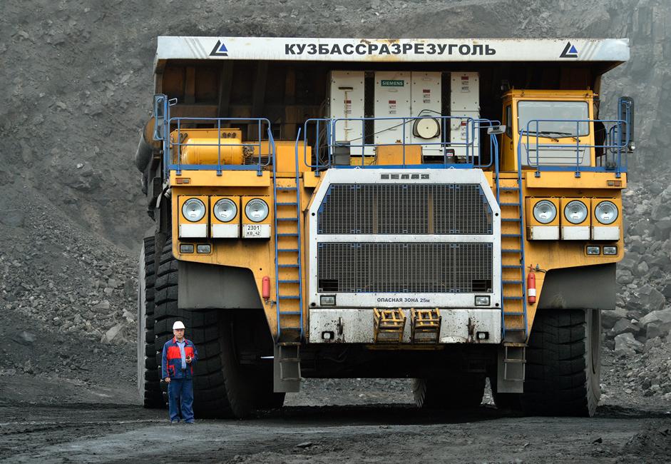 Највећи камион у коповима је БелАЗ 756000, производи се у Белорусији, одликује га носивост од 320 тона, а под пуним оптерећењем тежи невероватних 560 тона. Ово је један од највећих камиона произведених у свету. Апсолутни светски рекордер је БелАЗ 75710, кога одликује носивост од 450 тона, што је за 50 тона више од конкуренције из САД (Caterpilar) и Немачке (Liebherr).