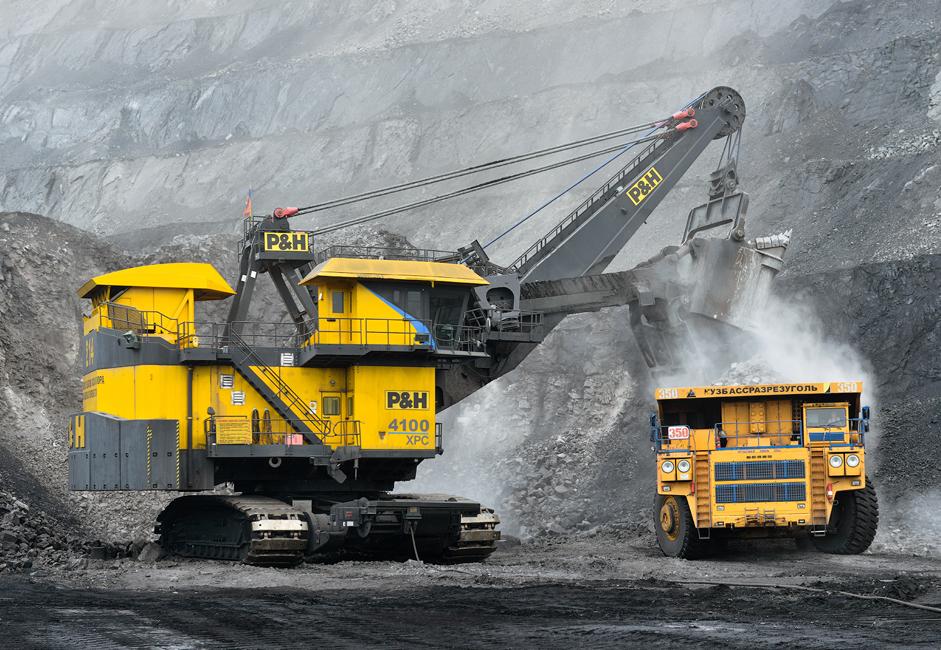 БелАЗ – 756000 у стању је да у једном наврату понесе читава три вагона камења, муља и  другог отпада.