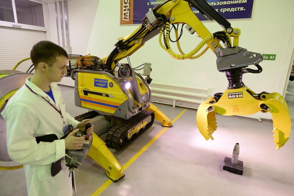 Esta tecnología se puso a prueba por primera vez cerca de Grozni, la capital de la república chechena. Allí el MRK-25 se utilizó para llevar a cabo una operación de localización de una fuente de cobalto radioactivo.