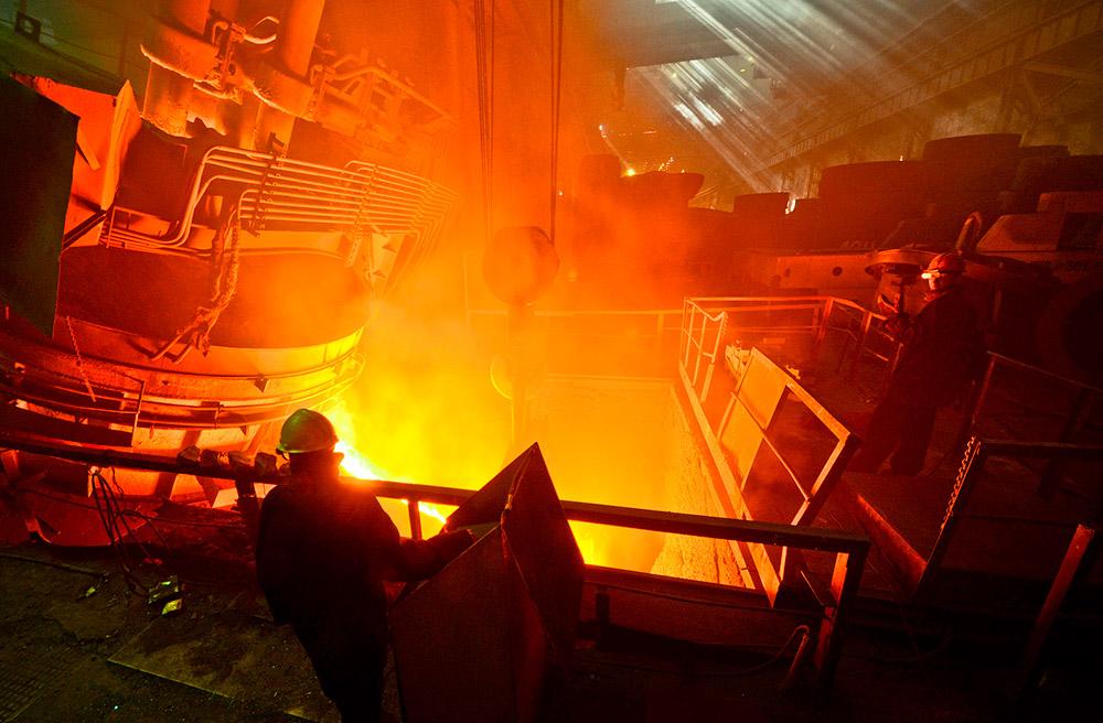 Опремата на Уралмаш се користи за влечење на повеќе од три – четвртини железна руда во Русија, за правење на сите железнички линии и за производство на четири – петтини од нафтата во земјата, половина од природниот гас и половина од јаглените минерали од отворените јами.