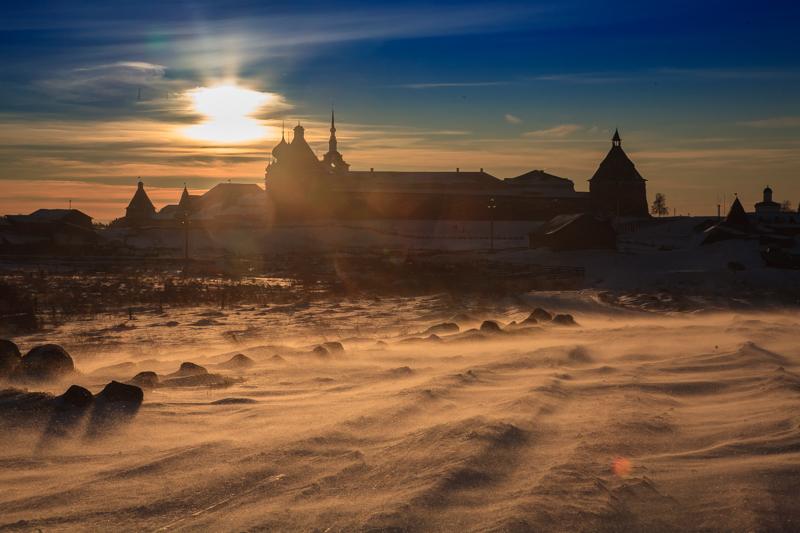 冬の間、ソロヴェツキー諸島から観光客は消える。船はなく、飛行機も天候が良い時にしか飛ばない。船が再開するのは5月である。