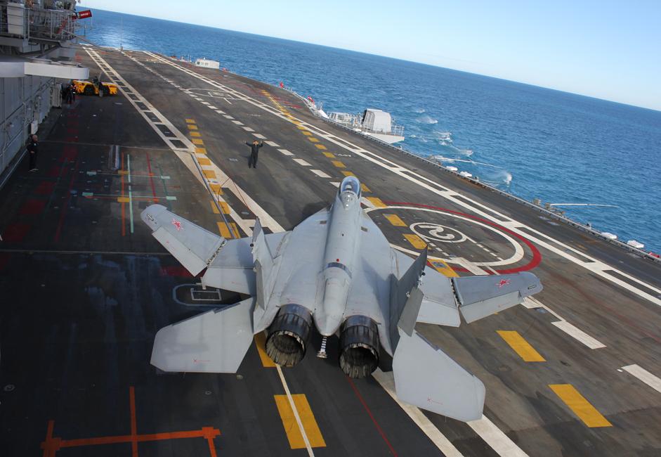 """MiG-29 je sovjetski mlazni lovac četvrte generacije. Razvijen 1970-ih u OKB-u Mikojan kao lovac namijenjen ostvarivanju prevlasti u zraku, MiG-29 se - zajedno s većim zrakoplovom Suhoj Su -27 - trebao suprotstaviti novim američkim lovcima F-15 Orao proizvođača McDonnell Douglas i F-16 """"Borbeni sokol"""" proizvođača General Dynamics. MiG-29 je 1983. uveden u operativnu uporabu u Ratno zrakoplovstvo SSSR-a."""