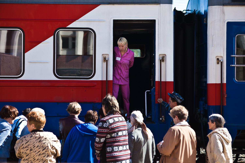このため、一世紀後に彼の名前が電車につけられた。電車のフルネームは非常に長い:「医学療法士マトヴェイ・ムドロフ診療診断センター」。ロシア鉄道はこのような電車を4台所有し、いずれにも著名な医師の名前がついている。