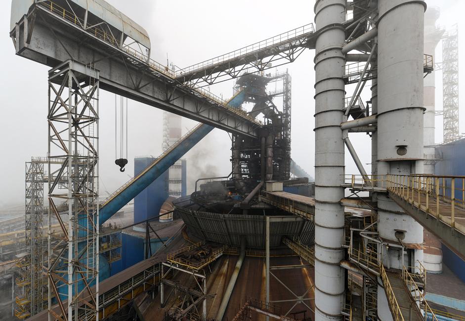 Новолипецки металуршки комбинат (НЛМК) представља највећу металуршку фабрику у Русији, са годишњом производњом од 17 милиона тона, односно око 17% укупне руске производње челика.