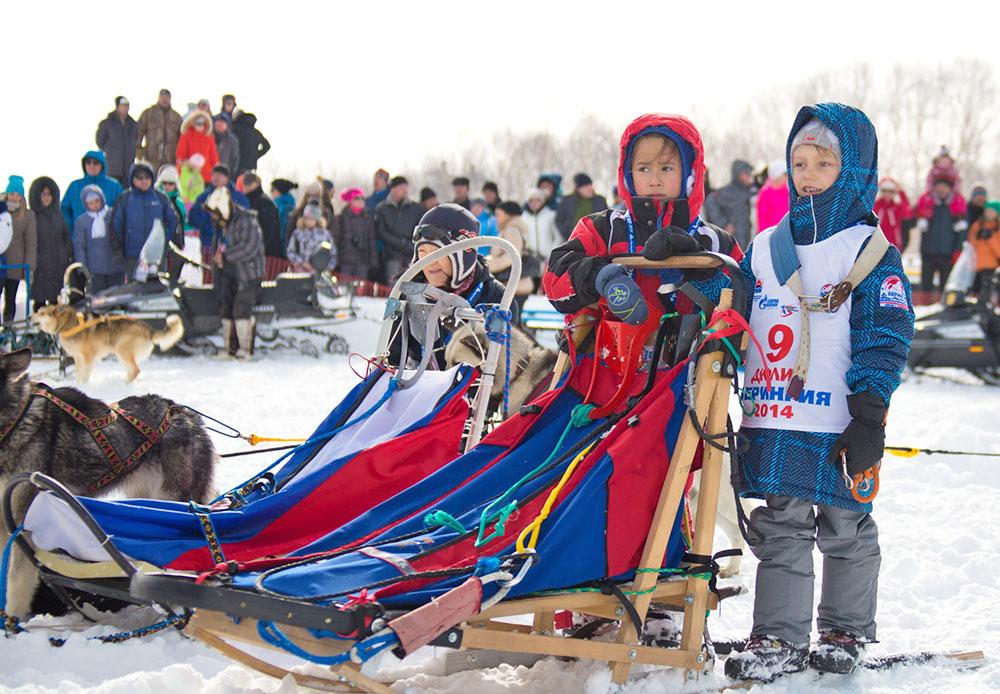 Kompetisi Dyulin, yakni balap kereta luncur anjing anak-anak, telah diselenggarakan secara rutin setiap tahun sebelum Beringia diselenggarakan untuk pertama kali. Hadiah utama Dyulin adalah anak anjing.
