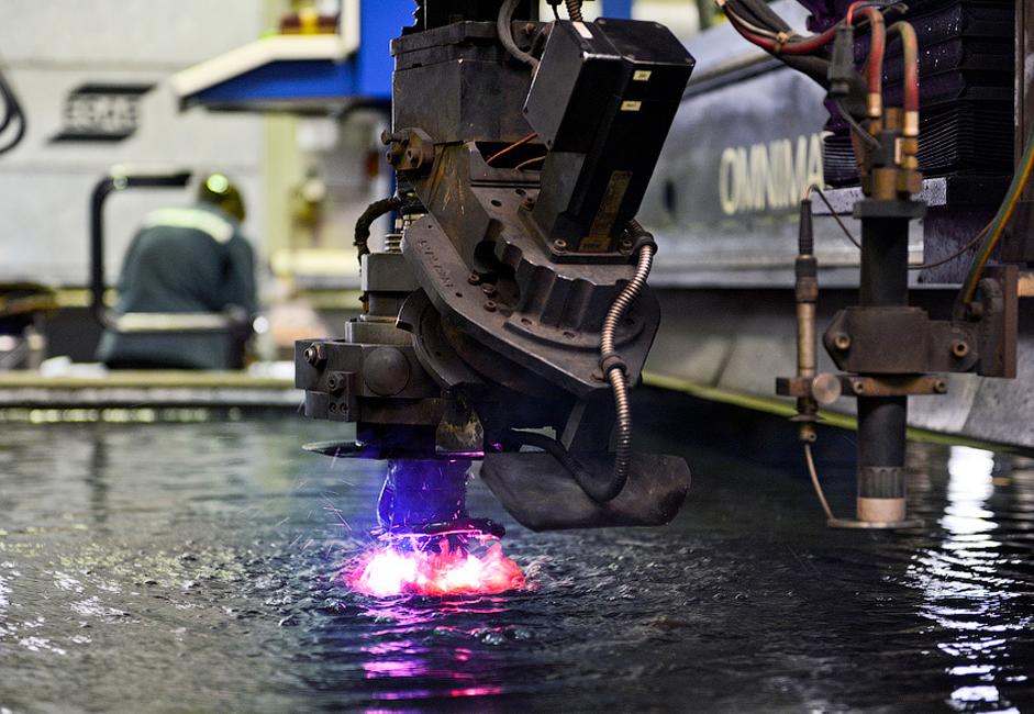 """Данас је """"Адмиралитетско бродоградилиште"""" једна од највећих индустријских компанија у Санкт Петербургу. Предузеће обезбеђује око 0,4% радних места у индустрији града и остварује 1% регионалног БДП."""