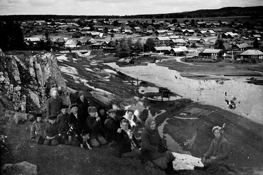"""Старая Утка (буквално """"стара патица"""") е село в Свердловска област в Урал (на около 1800 км от Москва). Ражда се и се развива, след като на устието на р. Утка през 1729 г. е построен металургичен завод."""