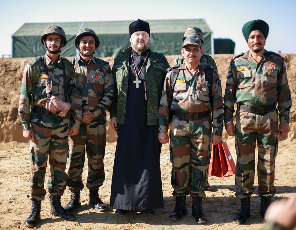 Indian soldiers and an Orthodox priest during the opening of Indra-2014.