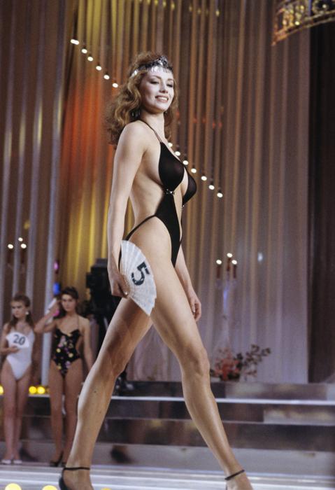 Ekaterina Mescheriakova, nacida en Perm, ganadora del concurso de belleza Miss URSS-89, 1989