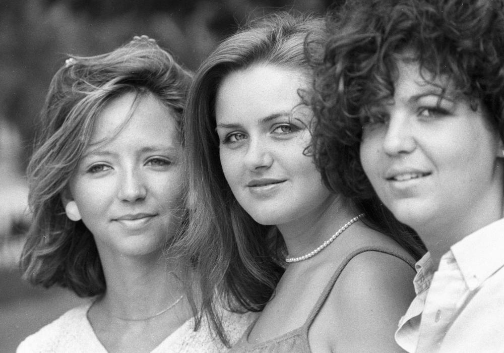 Junge Frauen bei einem Treffen sowjetischer und französischer Jugendlicher, 1984.