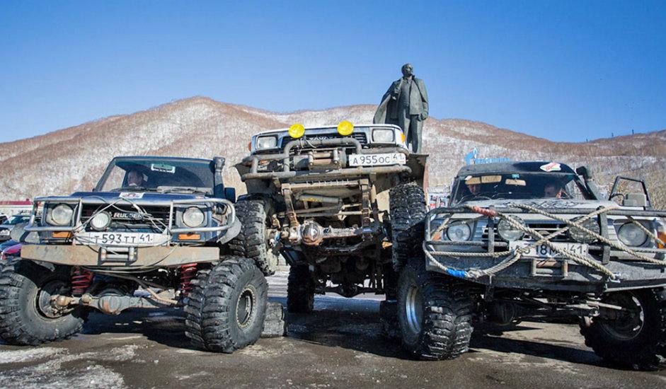 9/9. Становници Камчатке воле да крену у туристичке обиласке беспутних предела полуострва. До удаљених делова ове области често се може стићи само теренским возилима.