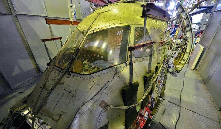 """4/10. У овом одељењу института управо се ради на креирању и развоју регионалне летелице SSJ-100. Њен пун назив је Сухој Суперџет 100 и то је руски путнички авион за краће релације, развијен у компанији """"Цивилни авиони Сухоја"""" уз подршку иностраних партнера."""