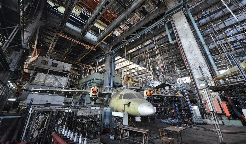 6/10. Овде се спроводе тестирања структуре и издржљивости за широк опсег авионских конструкција. Ово одељење високо је 35 метара. Потпорне греде носача могу да издрже оптерећење од 100 тона по метру квадратном.