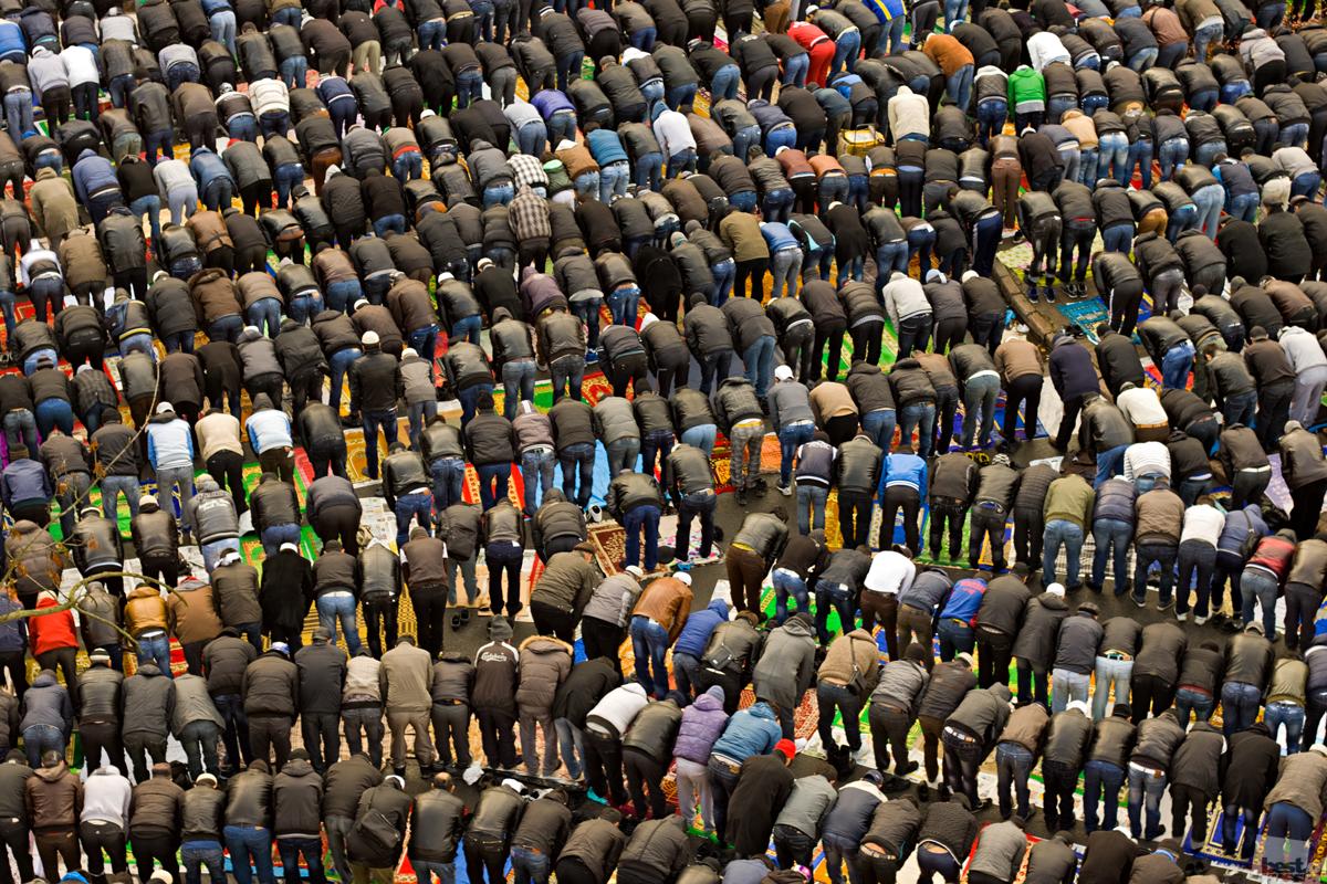 イスラム教の犠牲祭「クルバン・バイラム」に捧げられる祈り、サンクトペテルブルク。