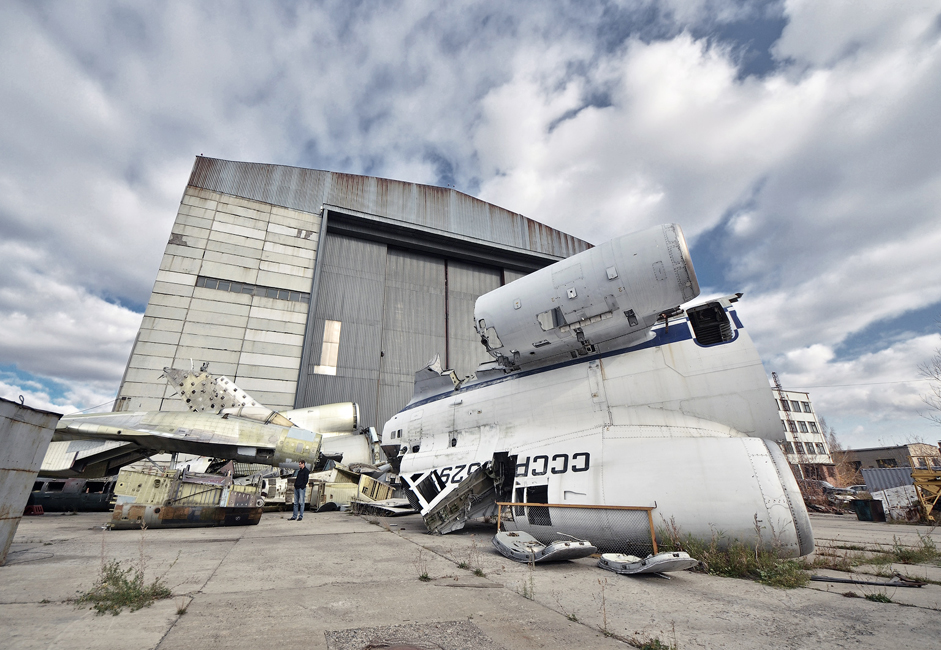 O SibNIA conduziu testes estruturais e de resistência para o Su-34, Su-35 e o Tu-204.