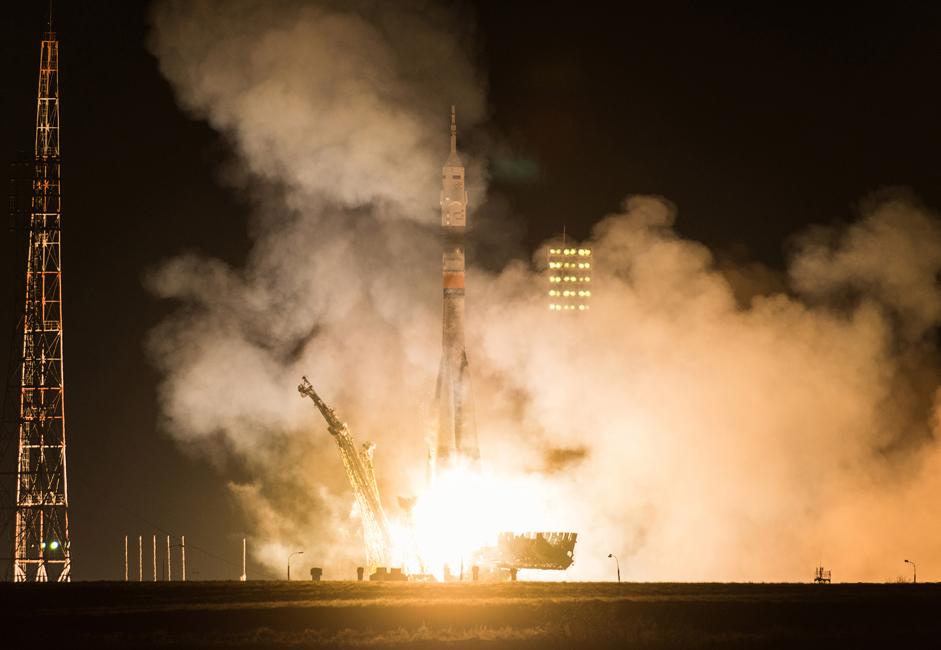 The temperature at the rocket nozzle's exit reaches 4000° C.