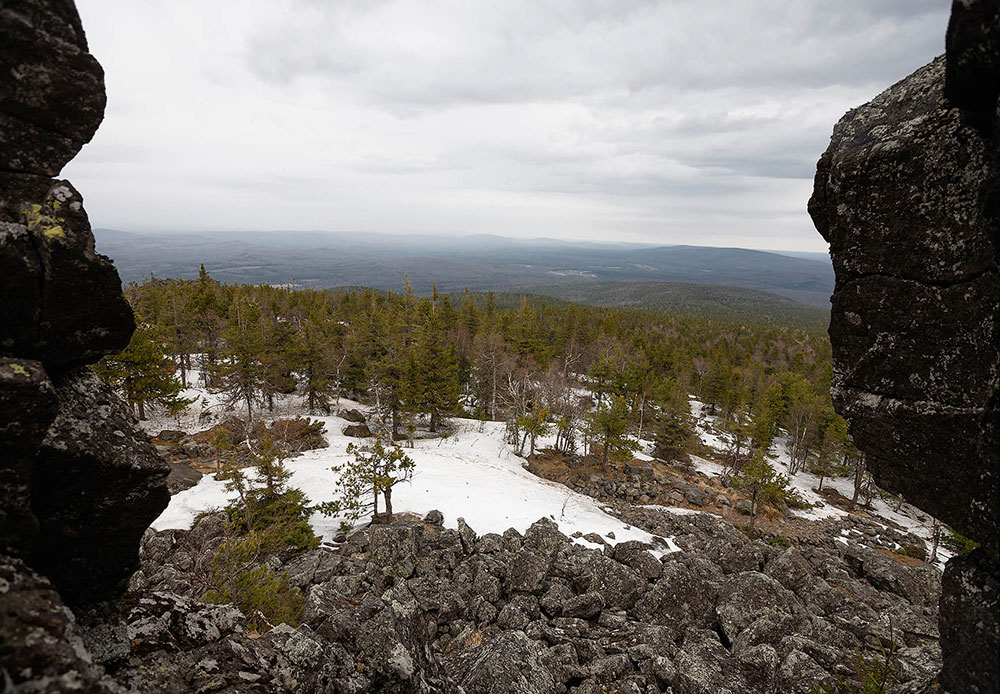 スヴェルドロフスク州のウラル山脈にあるカチカナル山の標高は、わずか887メートルだ。同名の小都市(モスクワからの距離は1607キロ)がこの山のふもとにある。ロシア唯一の山の仏教僧院がこの地にできてから何年もたつ。