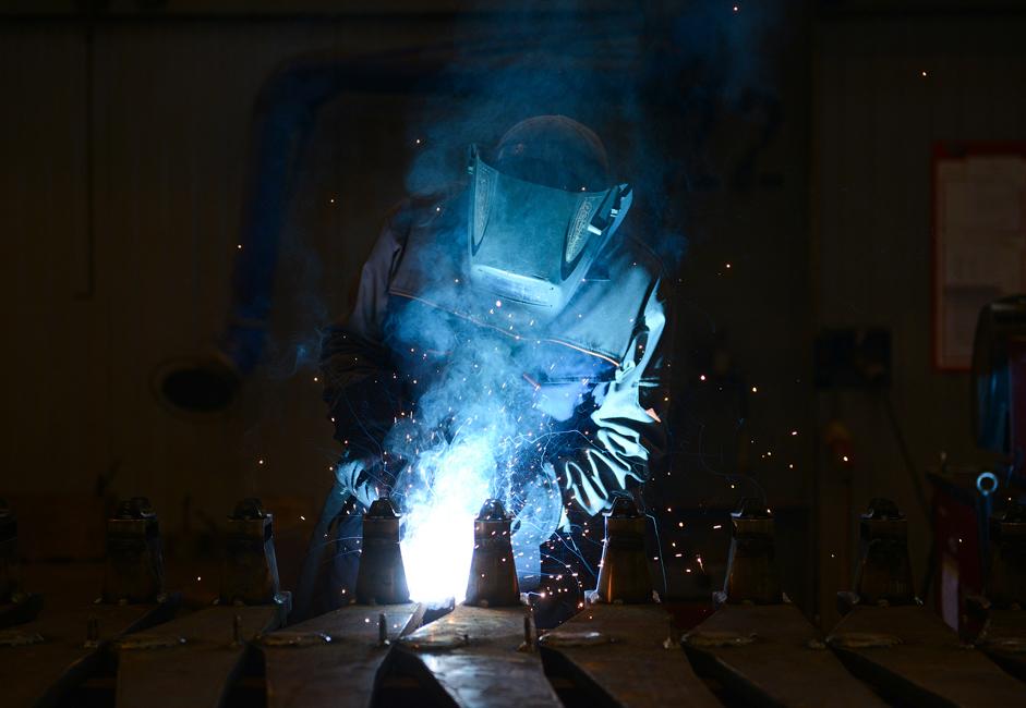 Proizvodnjo sestavlja 17 enot za mehansko predelavo kovin, izdelavo sedežev, varjenje, sestavljanje, preizkušanje osnovnih kosov in zapletenih električnih motorjev vlaka. Tu so tudi prostori za barvanje in sušenje vlakov.