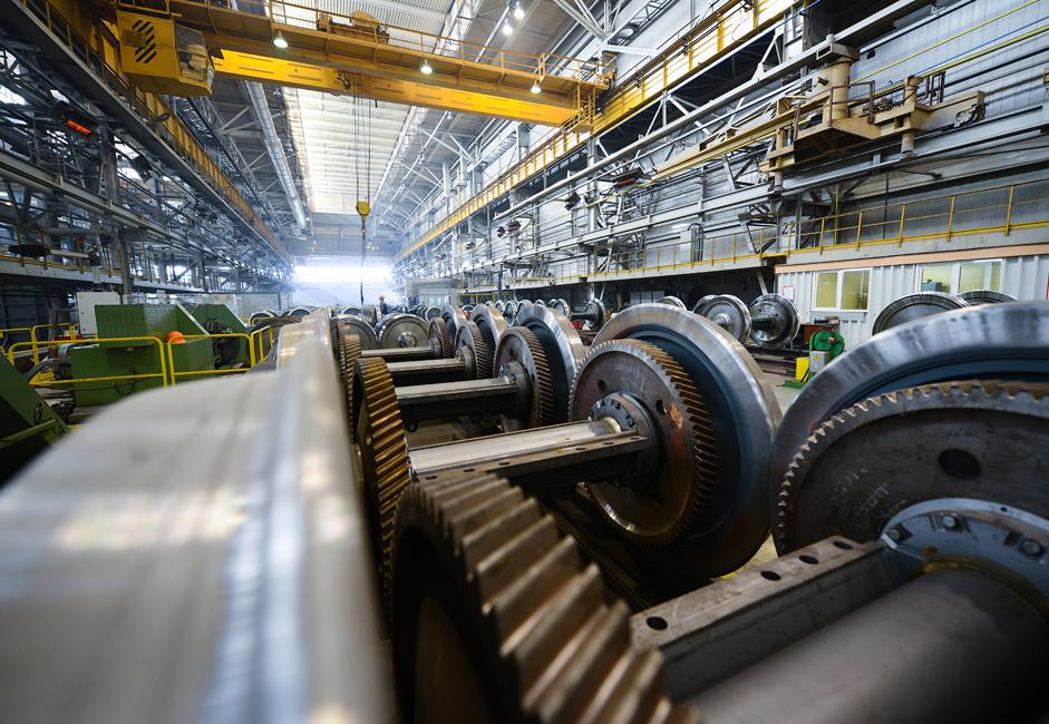 7. septembra 2011 so Ruske železnice, Sinara Group in Siemens AG podpisali pogodbo za dobavo 1200 električnih potniških vlakov Lastočka od leta 2015 do 2020. Skupna vrednost pogodbe je 2,1 milijard evrov.