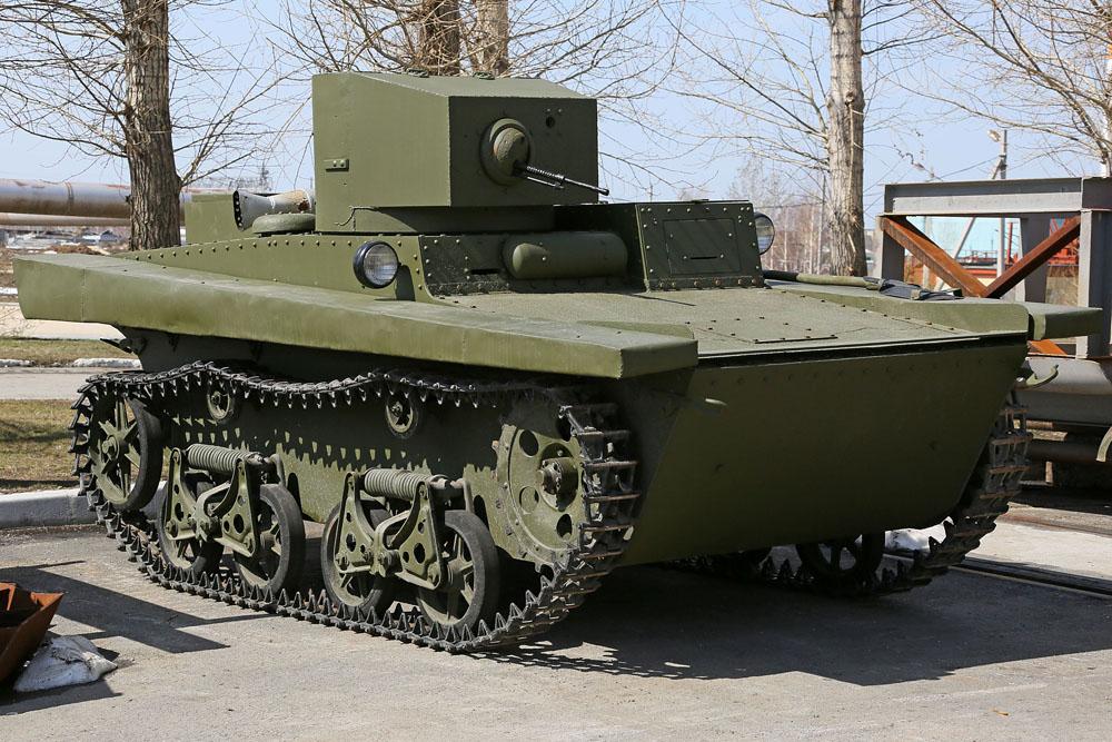 Tank ringan T-37A adalah tank amfibi pertama di dunia yang diproduksi secara massal. Tank ini diciptakan pada 1932 berdasarkan desain yang dibuat oleh perusahaan Inggris bernama Vickers dan tank amfibi percobaan yang dikembangkan di Uni Soviet. Tank ini ditemukan di hutan Karelia dan direstorasi di Pegunungan Ural.