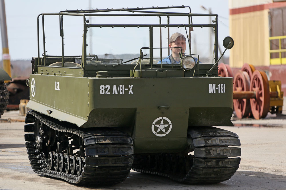 The Studebaker amphibious crawler was also supplied to the Soviet Union under a lend-lease. The U.S. amphibian was specially made so that the anti-Hitler coalition could land on the French coast.