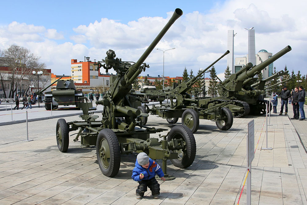 The Verkhnyaya Pyshma Museum of Military Hardware is considered one of the largest in Russia. Part of the exhibition is located outdoors and open to everyone.