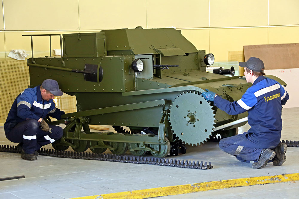 Every year the museum's assortment is replenished by new kinds of military equipment. Each restoration prolongs the life of these rare exhibits by at least 20-25 years.