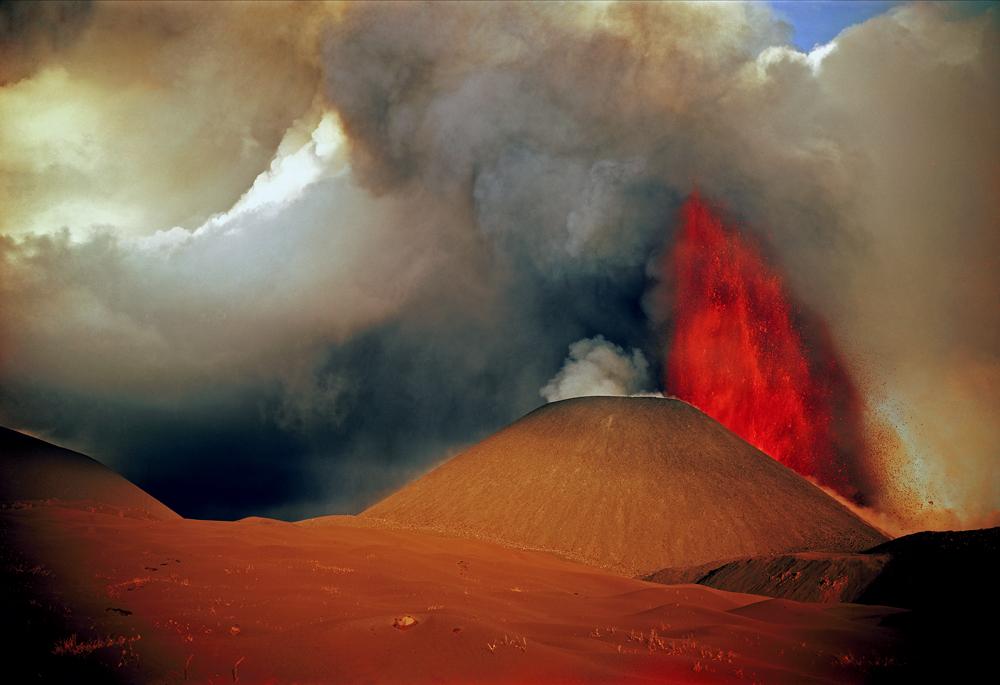 彼はカムチャッカ半島トルバチク火山の1975年の噴火を撮影することに成功した数少ないカメラマンの一人だ。