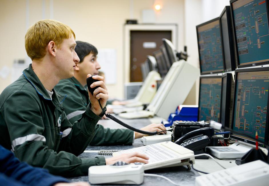Приближно 9.000 радника запослено је у Казанорсинтезу.