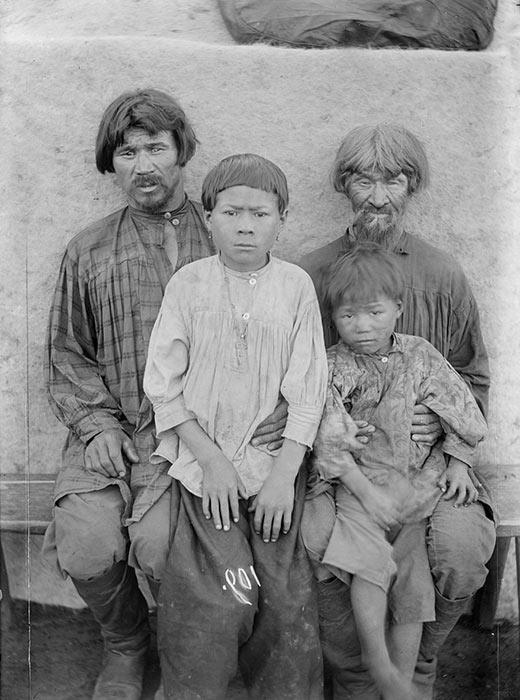 1822年、ロシアのシベリア地域は西と東に分けられた。5つの地区を統一し、新たな行政区域エニセイスクが作られた。