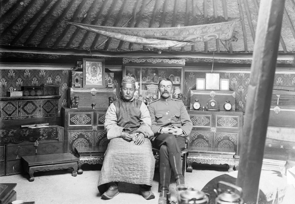 エニセイスク行政区域は103年間存続した。1925年5月25日、シベリアにある全ての行政区域は廃止され、ノヴォシビルスクを州都としたシベリア州が出来た。