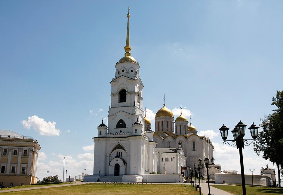 Bevor das russische Machtzentrum sich nach Moskau verlagerte, war die Mariä-Entschlafens-Kathedrale historisch die wichtigste Kirche des Fürstentums Wladimir-Susdal.