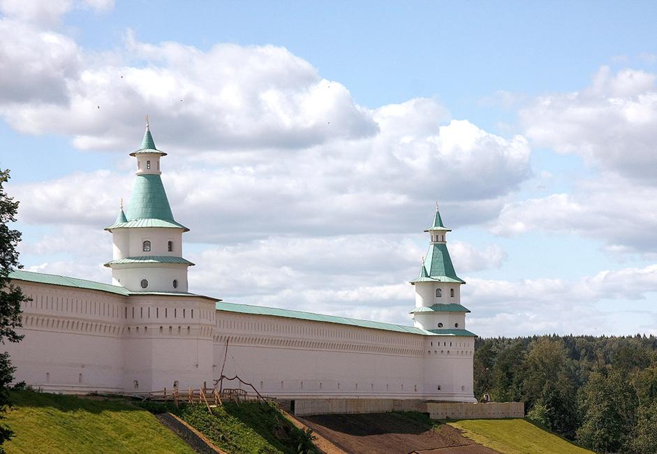 След Октомврийската революция през 1918 г. манастирът е закрит. През 1921 г. на негово място е отворен музей.