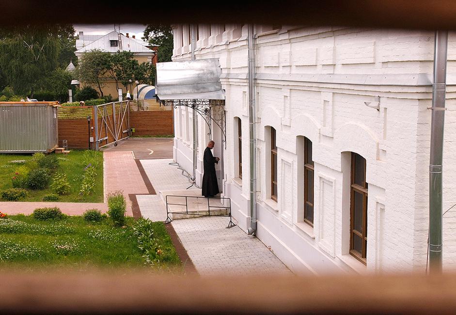"""През 1994 г. манастирът """"Нов Йерусалим"""" престава да е музей и си връща статута на манастир."""
