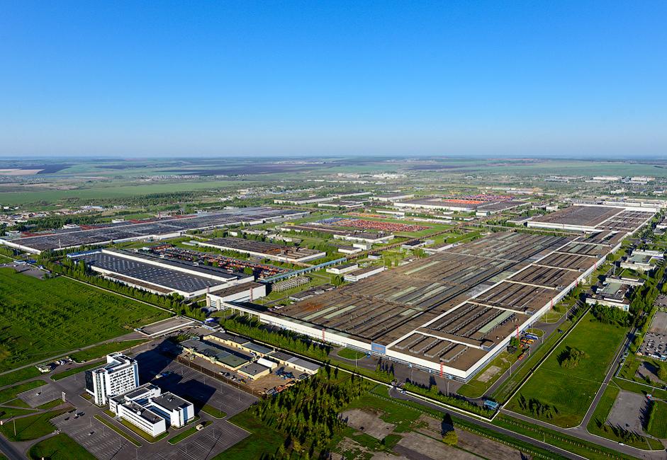 2/8. КАМАЗ је један од највећих послодаваца у Татарстану. Он је такође и девети највећи произвођач тешких возила на свету.