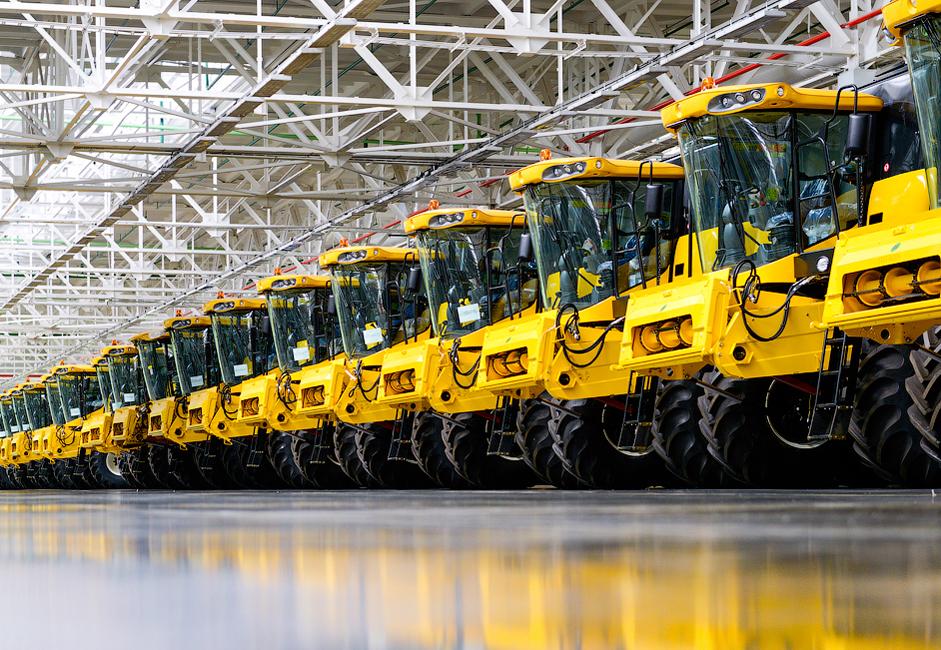 7/8. Megatvornica je 2010. počela proizvoditi vozila za poljoprivredu i izgradnju puteva pod brendom CNH (Case New Holland).
