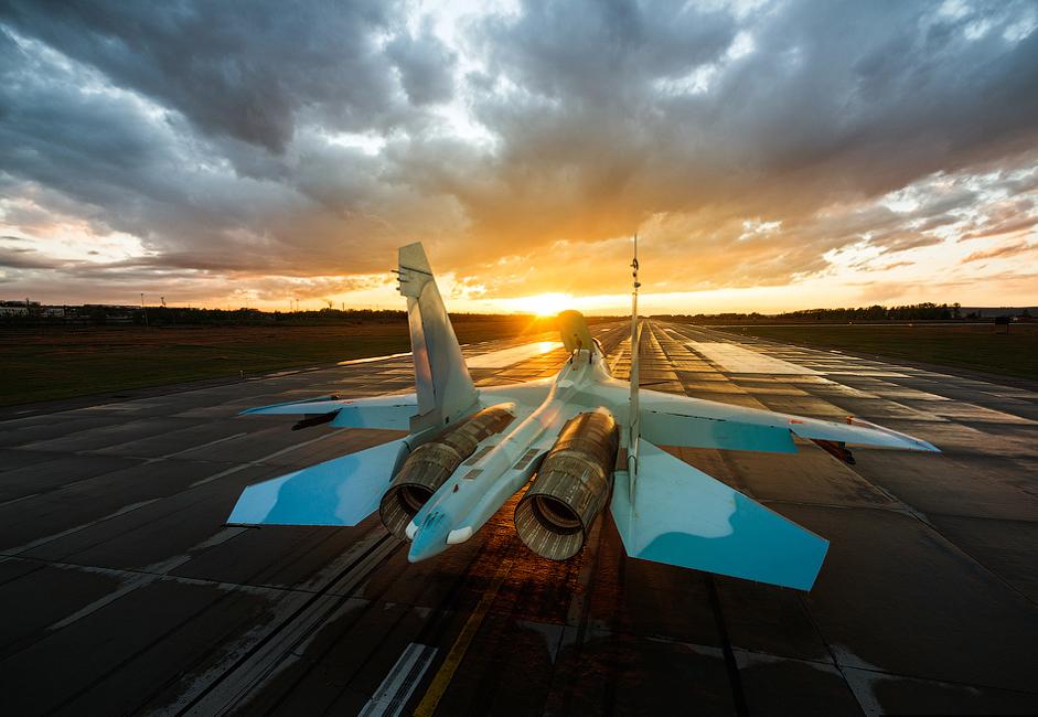 3/14. Су-30СМ је двоседи ловачки авион четврте генерације заснован на моделу Су-27. Реч је о суперманеварском ловачком авиону и првом у свету из те категорије који је серијски произведен.