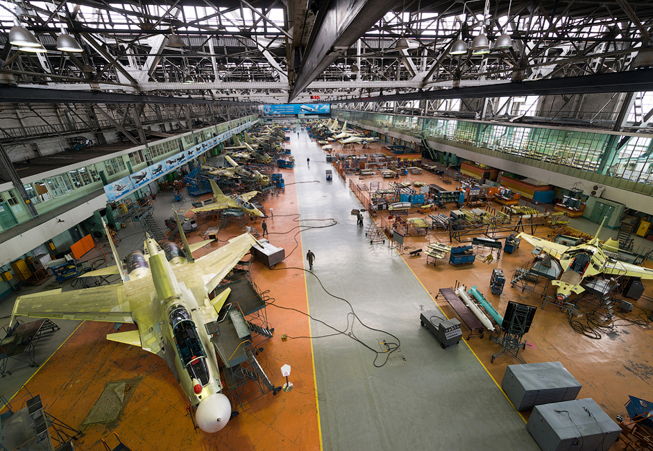 8/14. Стручњаци ИАЗ раде на развоју авиона МС-21 намењеном путничком и теретном саобраћају на руским и међународним линијама.