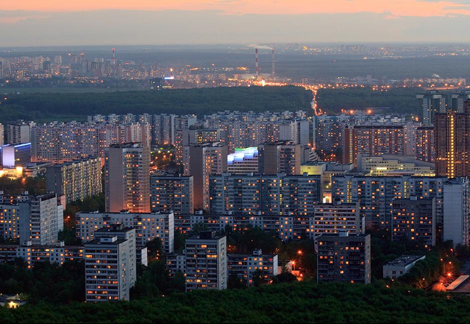 В район Тропарьово-Никулино са докладвани голям брой влизания с взлом в жилища. Престъпниците се правят на водопроводчици, електротехници или социални работници. Много пъти техни жертви стават пенсионери, ученици и тийнейджъри, които са оставени сами вкъщи.