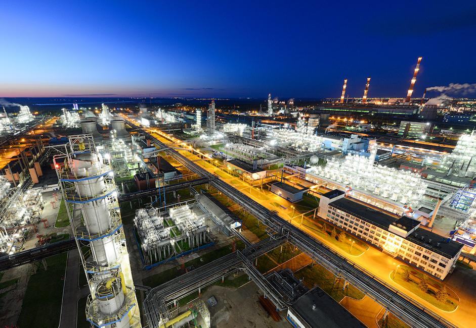 Leta 2016 je koncern TAIF-NK obdelal 8.334.700 ton surovih materialov oziroma 7.387.300 ton nafte in 947.400 ton kondenziranega plina.