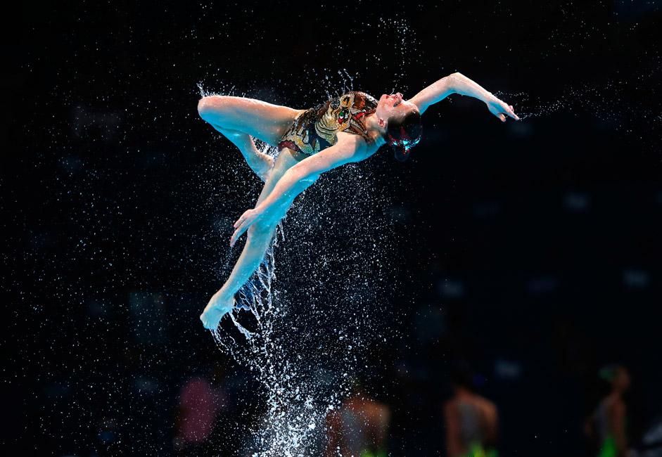"""""""Alle Mannschaften achten sorgsam darauf, dass die Konkurrenz ihnen keine Elemente oder interessante Figuren abgucken. Alle fürchten sich vor Plagiaten und halten deshalb ihr Wettbewerbsprogramm geheim"""", erzählte die dreifache Olympiasiegerin im Synchronschwimmen Olga Brusnikina während der Olympischen Spiele in London 2012."""