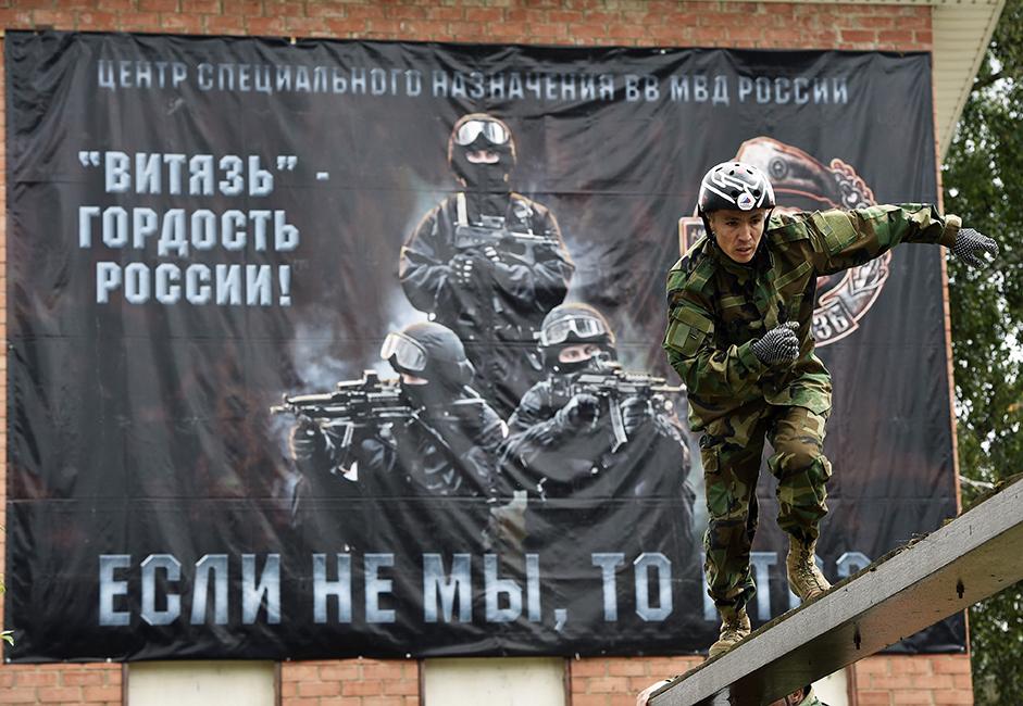 Triathlon Special-Purpose baru saja diselenggarakan di Pusat Pelatihan Vityaz, Balashika. Acara tahunan ini telah digelar untuk ke tujuh kalinya. Acara tersebut didedikasikan bagi ulang tahun ke-40 Kelompok Alfa, sebuah unit elit pasukan khusus Rusia.